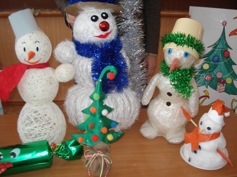 Новогодние поделки из игрушек 931